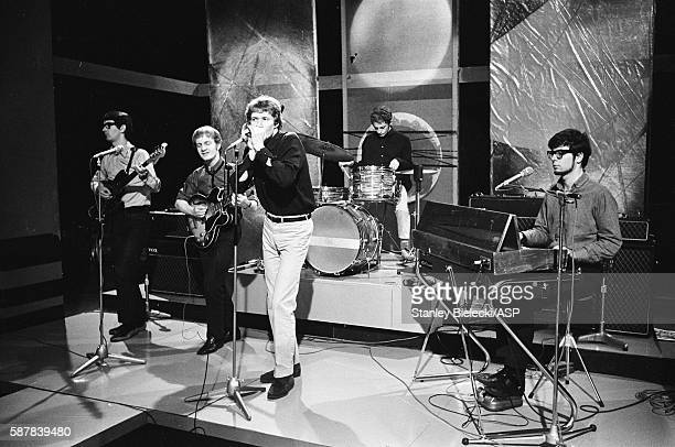 Manfred Mann rehearsing for an appearance on a TV show United Kingdom circa 1965 LR Tom McGuinness Mike Vickers Paul Jones Mike Hugg Manfred Mann
