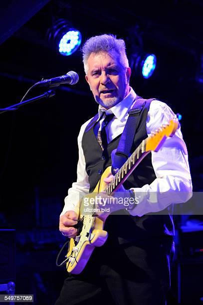 Manfred Mann's Earth Band kurz MMEB die britische Rockband um den suedafrikanischen Keyboarder Manfred Mann mit Saenger Robert Hart und Gitarrist und...