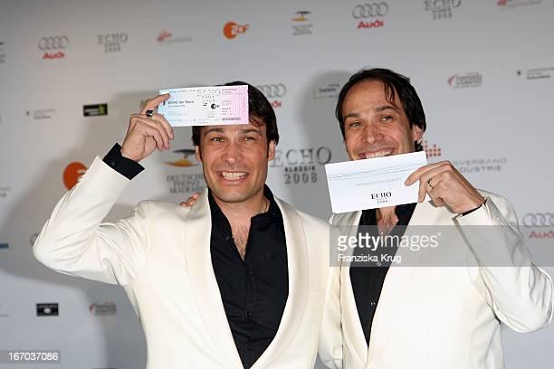 Manfred Und Alexander Klaus Stecher Bei Der Verleihung Des Echo Klassik In Der Philharmonie Im Münchner Gasteig In München
