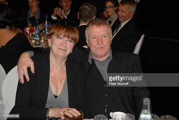 Manfred Zapatka Ehefrau Margarete Verleihung 2 Bremer Stadtmusikantenpreis Theater am Goetheplatz Bremen Deutschland Europa Schauspieler