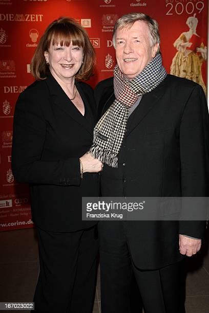 Manfred Zapatka Und Ehefrau Margarete Bei Der Verleihung Des Corine Internationaler Buchpreis Im Prinzregententheater In München