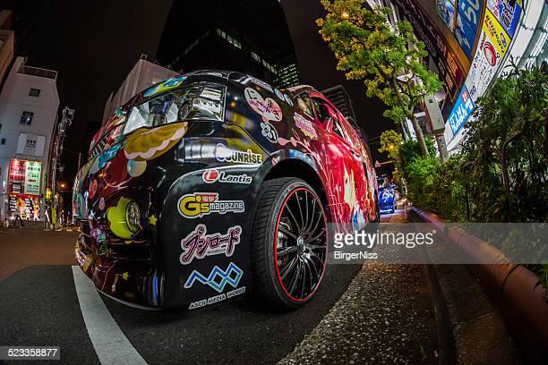 manga-pimped automóvel em akihabara de tóquio, japão - pimped car - fotografias e filmes do acervo
