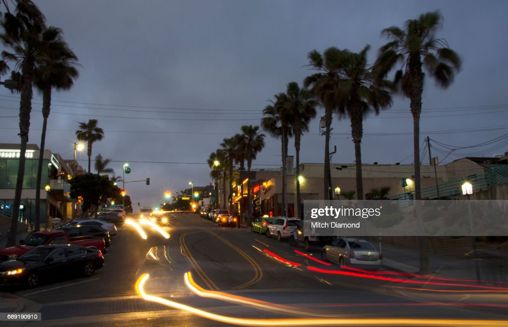 Manhattan Beach Evening in Town : Stock Photo