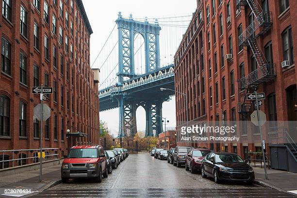 manhattan bridge and dumbo brooklyn, warehouses - brooklyn bridge stock pictures, royalty-free photos & images