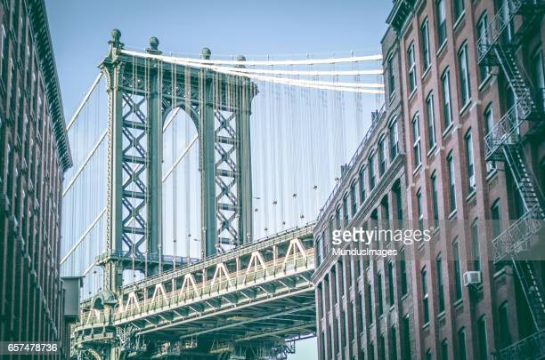 manhattan bridge as seen from washington street dumbo brooklyn new york city - dumbo imagens e fotografias de stock