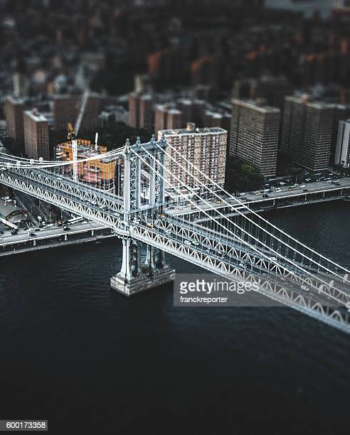 manhattan bridge in new york city - brooklyn new york stock pictures, royalty-free photos & images
