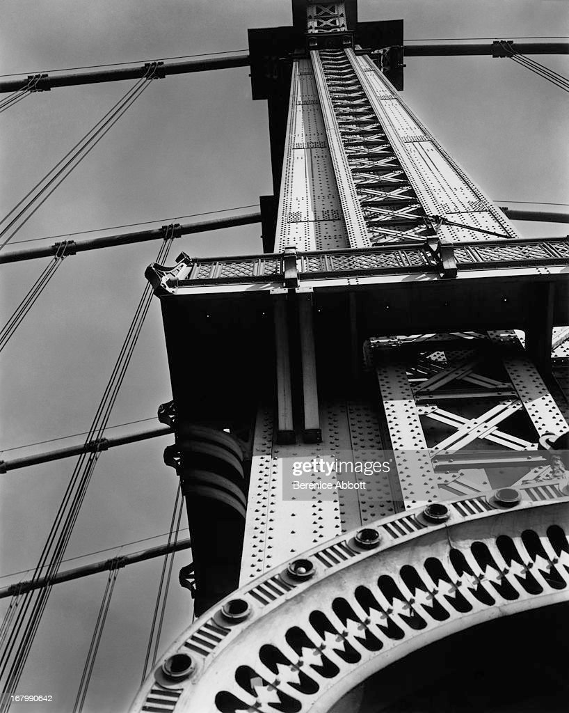 UNS: Berenice Abbott: New Photographer Signing To Archive