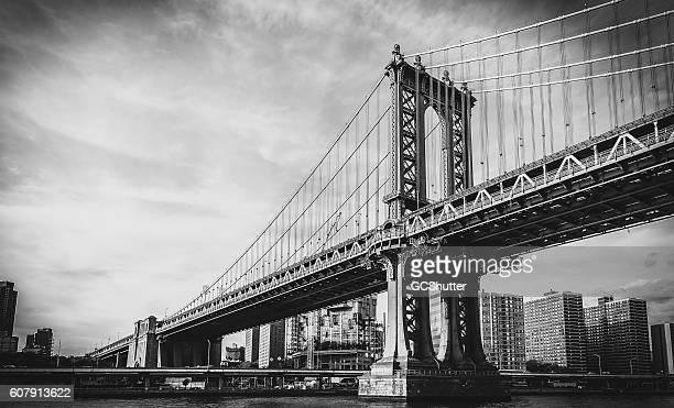 manhattan bridge, new york city - black and white stock pictures, royalty-free photos & images