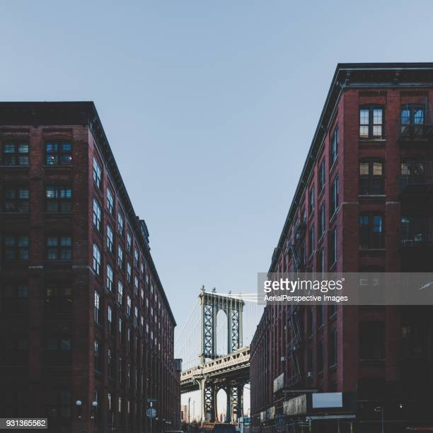 manhattan bridge, new york city, usa - dumbo imagens e fotografias de stock
