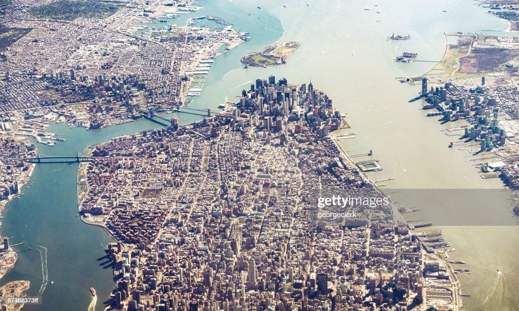 Isla de Manhattan y Brooklyn desde el aire : Foto de stock