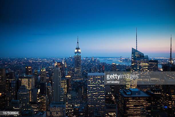 De Manhattan, New York au coucher du soleil