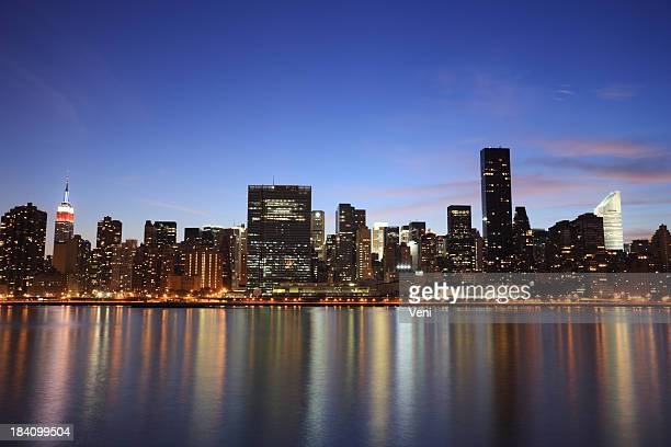 manhattan skyline across east river, new york, usa - citigroup bildbanksfoton och bilder