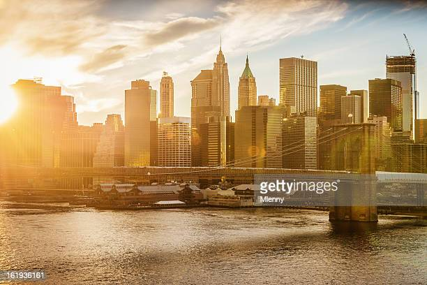 manhattan skyline at sunset new york city - monument stock pictures, royalty-free photos & images