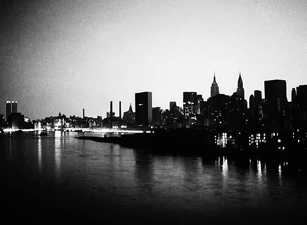 Manhattan skyline during blackout of 1977.,