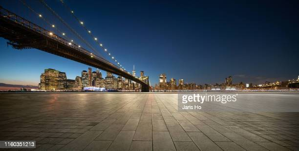 manhattan skyline - brooklyn bridge stock pictures, royalty-free photos & images