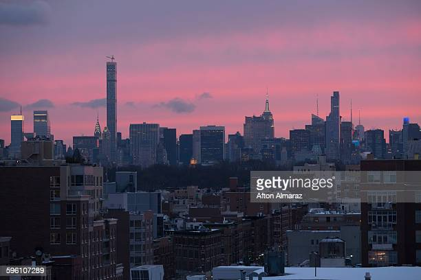 manhattan skyline - harlem stock pictures, royalty-free photos & images