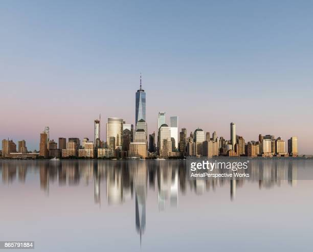 panorama de manhattan - skyline photos et images de collection