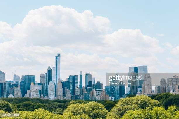 manhattan skyline - townscape stock pictures, royalty-free photos & images