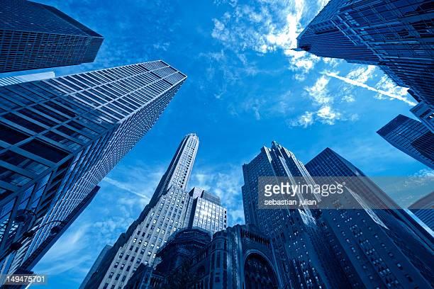 マンハッタンの超高層ビルのオフィスビル群 - パークアベニュー ストックフォトと画像