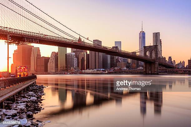 manhattan sunset from brooklyn bridge park - brooklyn bridge stock pictures, royalty-free photos & images