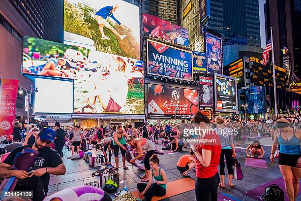 Manhattan, yoga lesson at Times Square