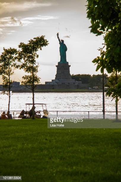 manhatten dusk - governors island stock pictures, royalty-free photos & images