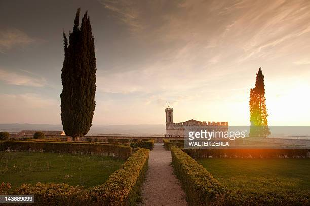 manicured gardens overlooking castle - gubbio stock pictures, royalty-free photos & images