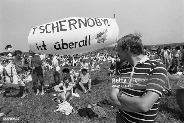 Manifestation antinucléaire près de la centrale de Cattenom France le 15 juin 1986