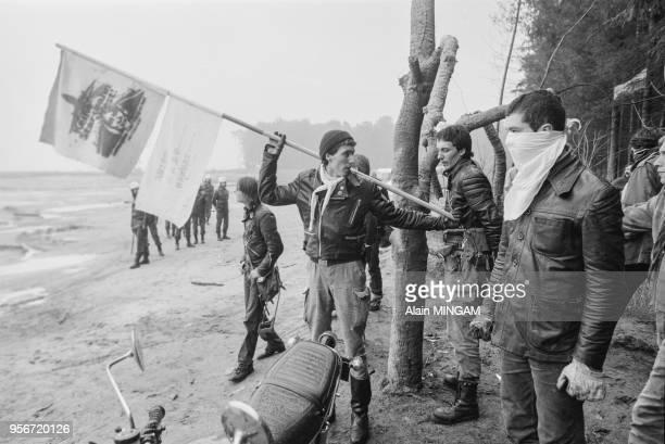 Manifestation des écologistes ouestallemands contre le projet d'extension de l'aéroport de Francfort les 5 6 et 7 octobre 1981 Allemagne