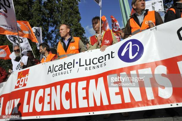 Manifestation des salaries francais de l'entreprise francoamericaine AlcatelLucent du site de Orvault contre le plan Shift de suppressions d'emploi...