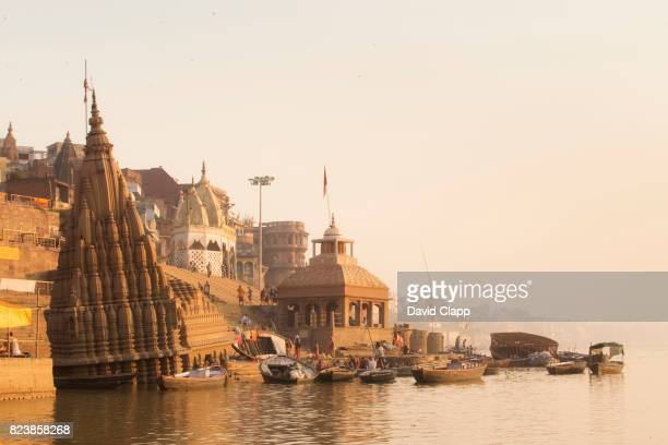 manikarnika ghat, in varanasi, india - manikarnika ghat stock pictures, royalty-free photos & images