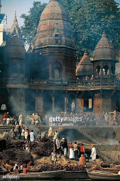 Manikarnika Ghat, where an ear-ring of Shiva or his wife Sati allegedly fell, cremation site on the banks of the Ganges, Varanasi, Uttar Pradesh,...