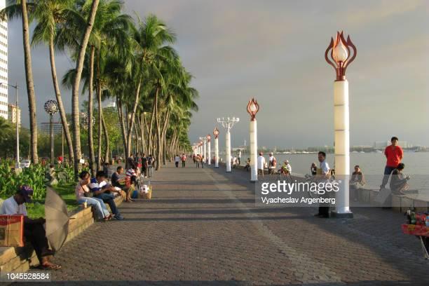 manila bay, roxas boulevard, bay walk - argenberg fotografías e imágenes de stock