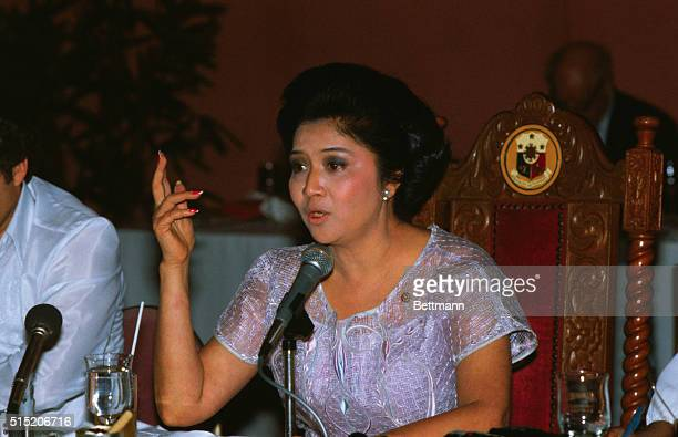 Manila: Mrs. Imelda Marcos. Philippine First Lady Mrs. Imelda R. Marcos gestures while answering question during a lunchroom conference with Foreign...