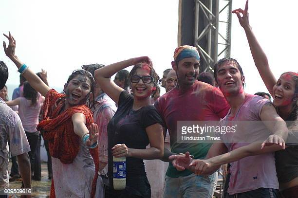 Manini De Ravee and Manoj Bidvai and Kushal Punjabi Entertainment channel and Nokia hosted Holi bash at Darya Mahal at Versova