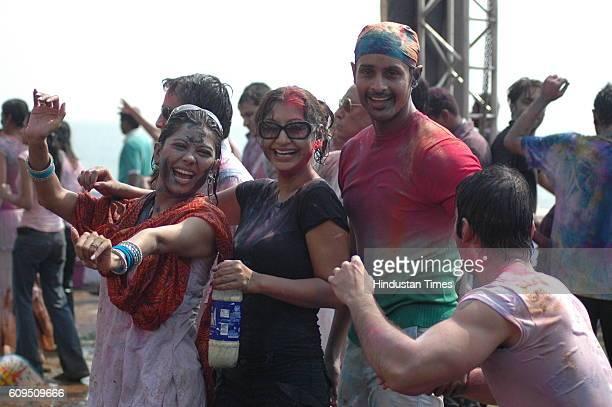 Manini De Ravee and Manoj Bidvai and Kushal Punjabi Entertainment channel and Nokia hosted Holi bash at Darya Mahal at Versova