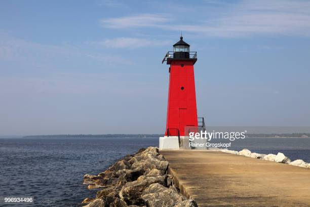 manistique east breakwater light (1916) - rainer grosskopf stock pictures, royalty-free photos & images