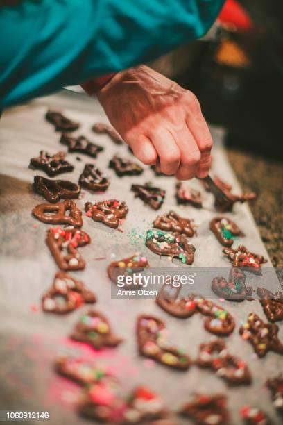 Mank Decorates Chocolate Covered Pretzels