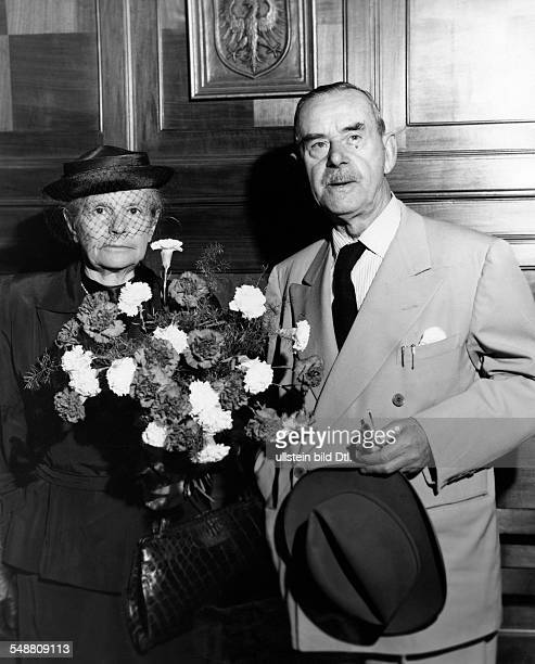 Mann Thomas Writer D *06061875 Nobel Prize laureate 1929 Portrait with his wife Katia in Frankfurt ca 1930 Vintage property of ullstein bild