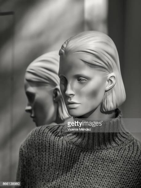 mannequin and its reflection - mannequin stock pictures, royalty-free photos & images