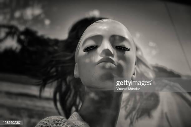 mannequin head - vicente méndez fotografías e imágenes de stock
