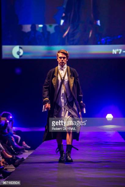 Mannequin lors d'un défilé du projet 'Epopée des uniformes français' mis en place par le gouverneur militaire de Lyon le colonel Pierre Chevancy afin...