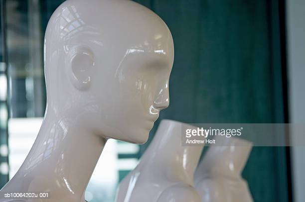 mannequins in shop window - male likeness stock pictures, royalty-free photos & images