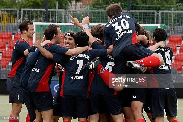 Mannheimer Hockey players celebrate after the men's 3rd/4th place match between Mannheimer HC and Uhlenhorst Muelheim at the Grafenberger Wald...