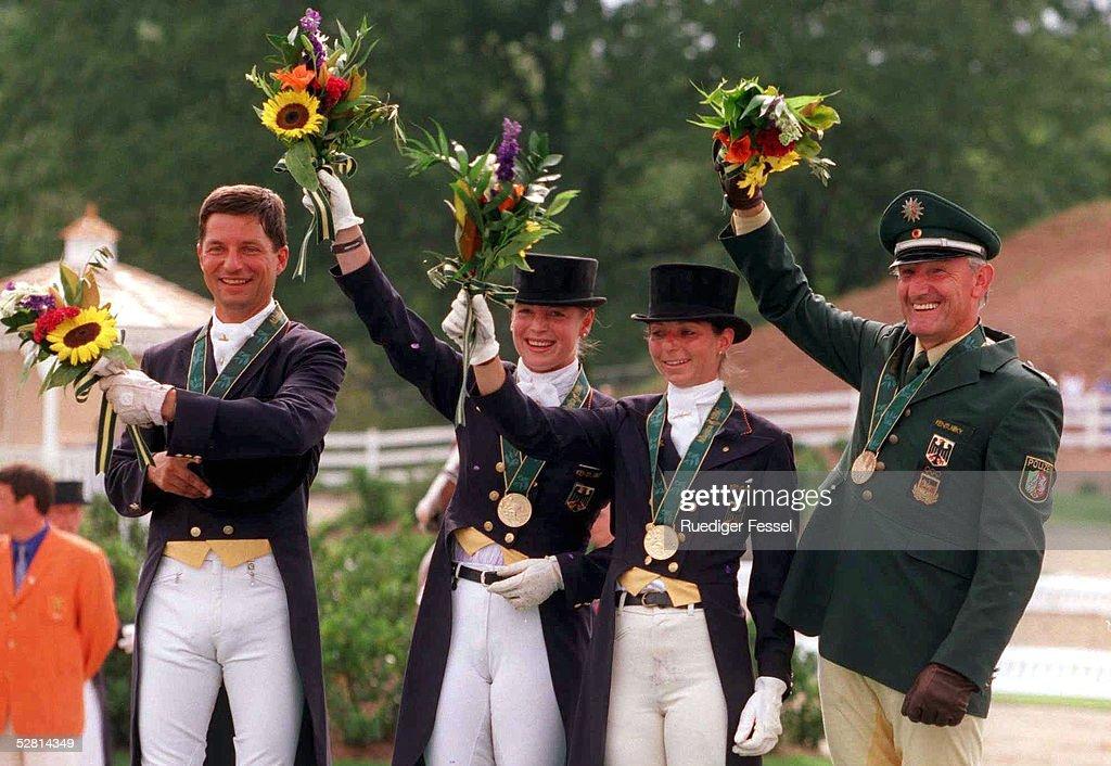 DRESSUR: Mannschaft ATLANTA 1996 28.7.96 : News Photo