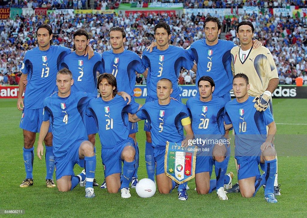0 Mannschaftsfoto Italien Vor Dem Spielhinten V L