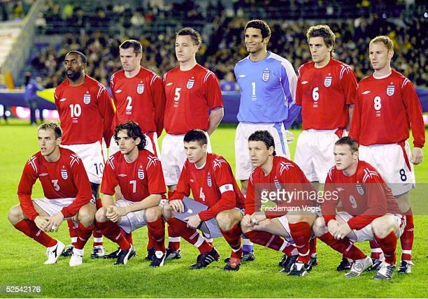 Fussball Laenderspiel 2004 Goeteborg Schweden England 10 Mannschaftsfoto / Teamfoto England hintere Reihe vlks Darius VASSELL Jamie CARRAGHER John...