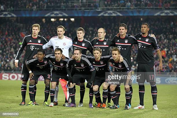 Mannschaftsfoto vl Holger Badstuber FC Bayern München Manuel Neuer Bayern München Toni KROOS FC Bayern München Arjen ROBBEN FC Bayern München Mario...