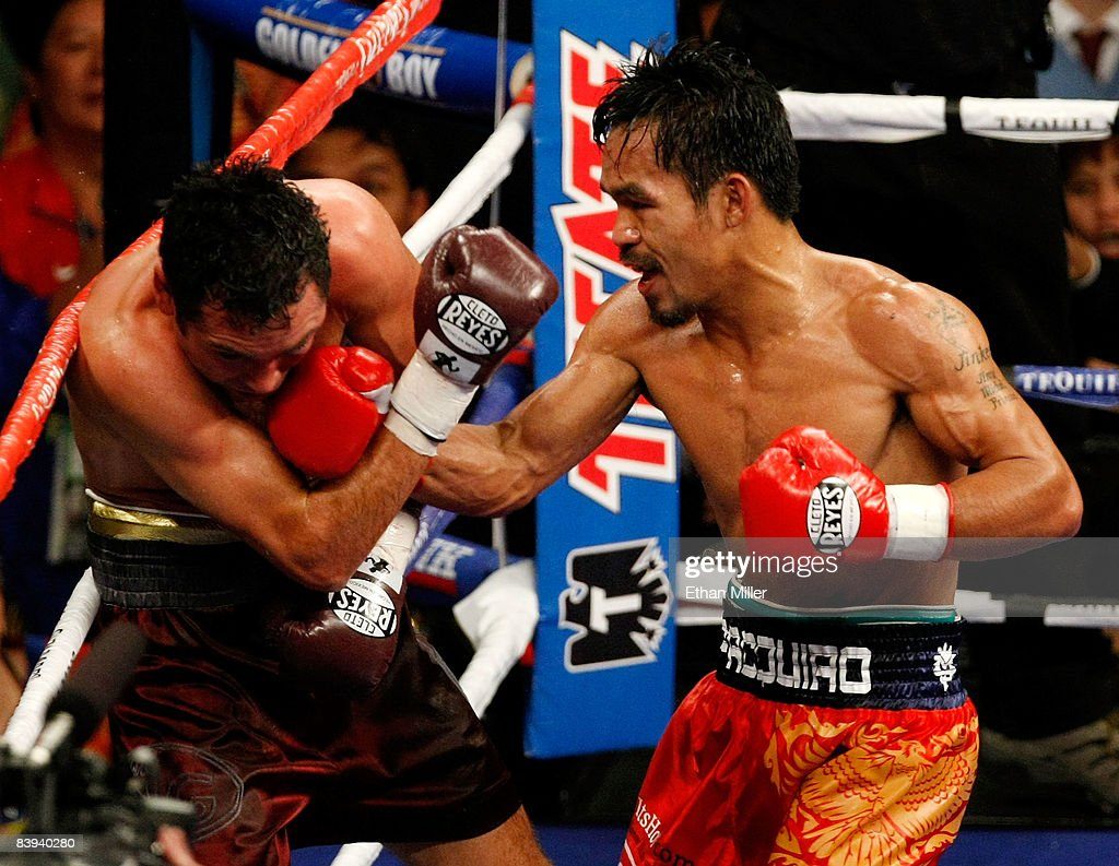 Oscar De La Hoya v Manny Pacquiao : News Photo