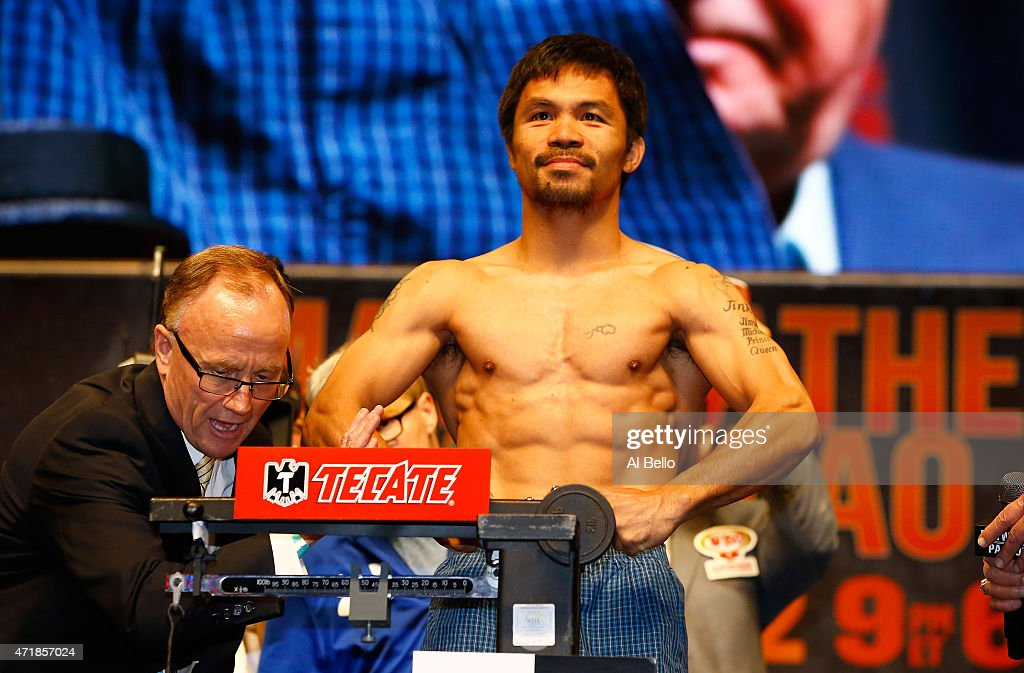 Floyd Mayweather Jr. v Manny Pacquiao - Weigh-In : ニュース写真
